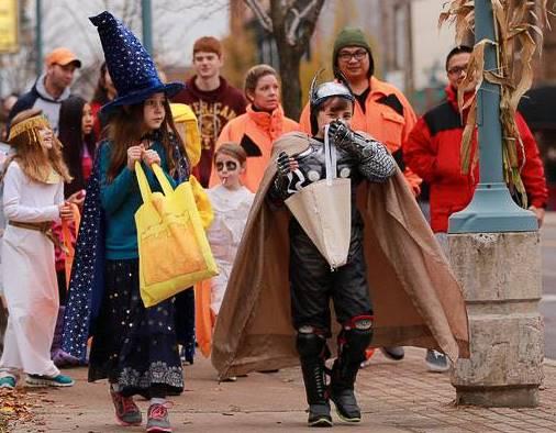 cedar rapids halloween trick or treaters