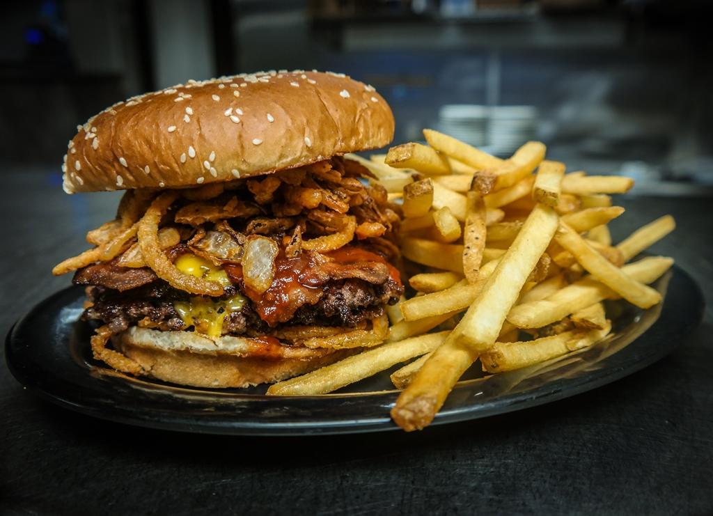 emils hideaway burger