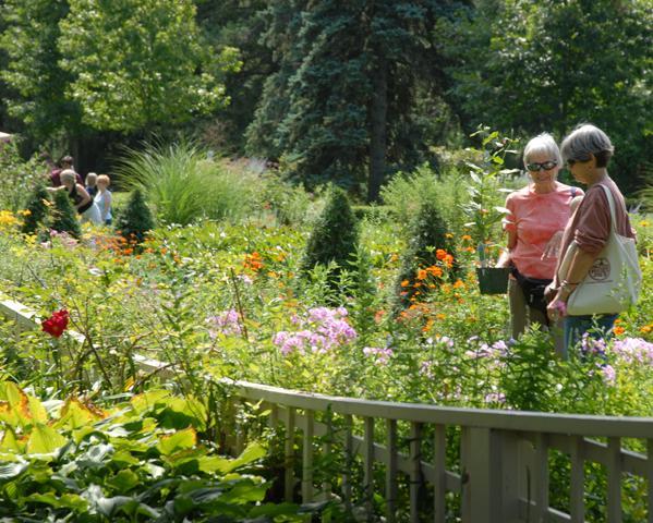 Gardens Galore - Go Cedar Rapids Blog